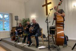 Trond Grandlund og kjempestemning på Høybråten Normisjon